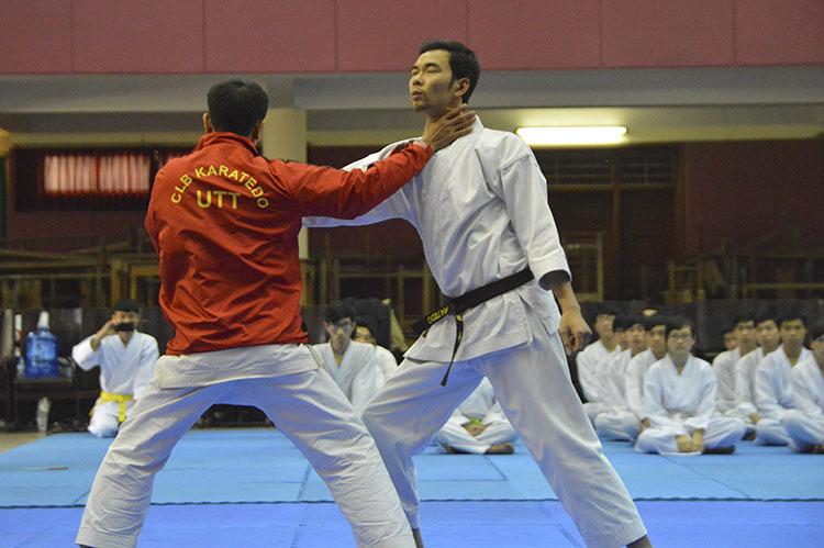 Chương trình Giao lưu, biểu diễn Võ thuật Karatedo giữa Sinh viên Đại học Công nghệ GTVT và các Võ sư Nhật Bản năm 2015