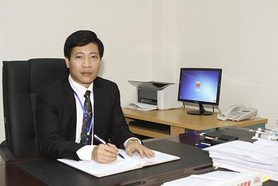 Phó hiệu trưởng: TS. Nguyễn Hoàng Long