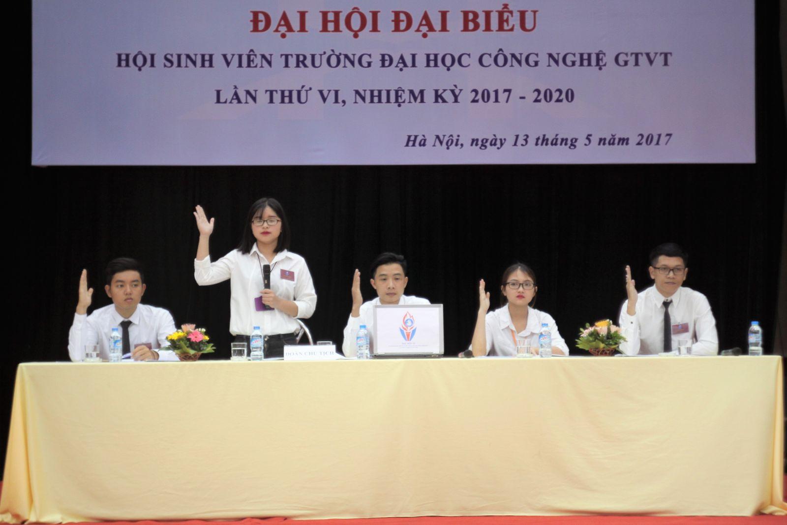 Đoàn Chủ tịch Đại hội Hội Sinh viên Trường khóa VI, nhiệm kỳ 2017-2020