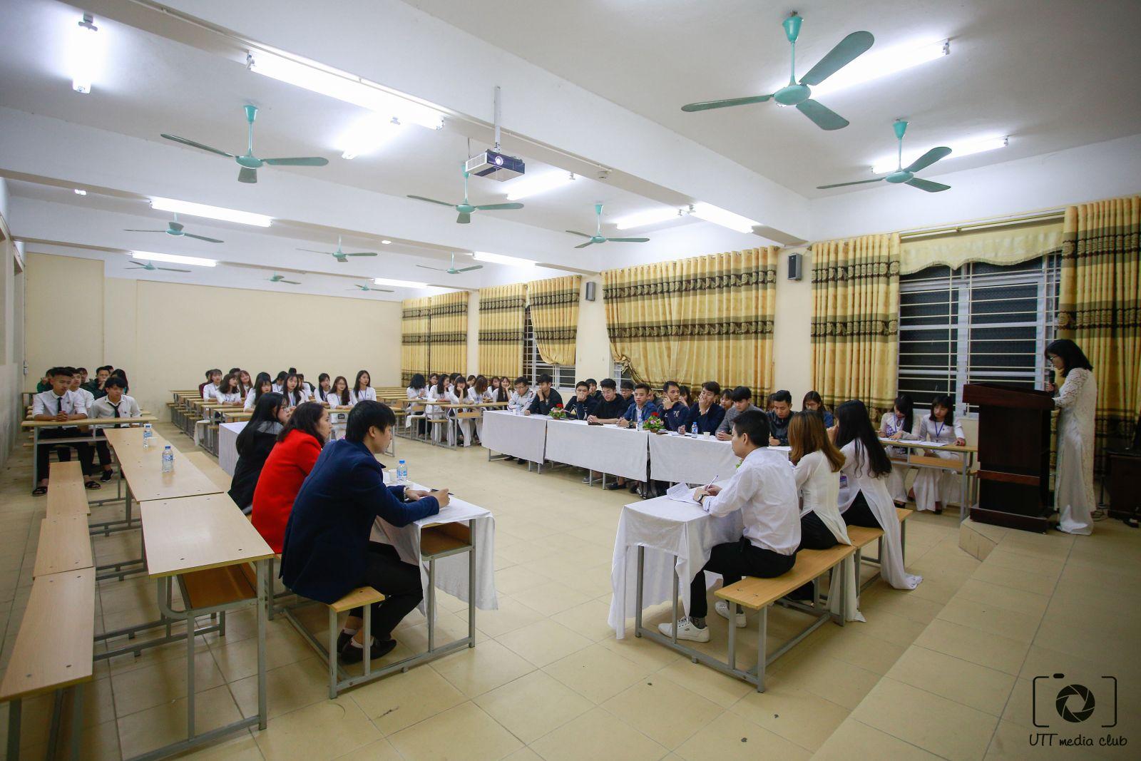Đại hội Chi đoàn mẫu Chi đoàn 67DCKT11 nhiệm kỳ 2017-2018