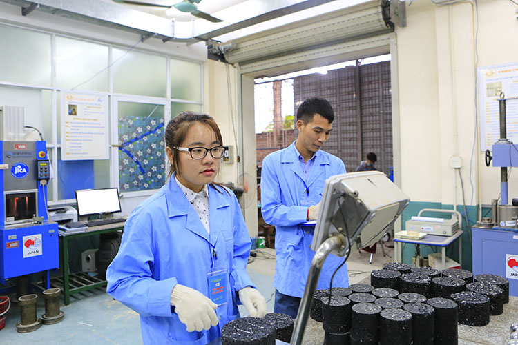 Phạm Huyền Mai luôn say mê nghiên cứu khoa học