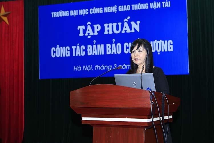 PGS.TS. Nguyễn Phương Nga chia sẻ kinh nghiệm về công tác Đảm bảo chất lượng
