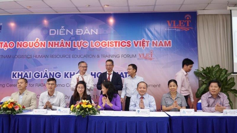 Diễn đàn đào tạo nguồn nhân lực Logistics